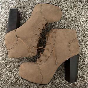 H&M tan chunky heel lace up ankle boot